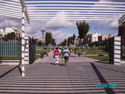 Übergang zu Park mit Busbf. - Plaza d' Espana