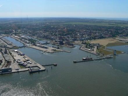 Luftaufnahme Cuxhaven - Hafen Cuxhaven