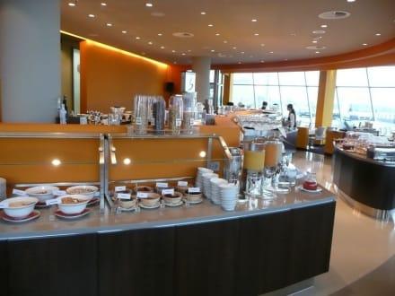 fr hst ck in buffet form bild atlantic hotel sail city in bremerhaven bremen deutschland. Black Bedroom Furniture Sets. Home Design Ideas