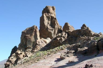 Los Roques de Garcia / Caldera de las Canadas - Roques de Garcia