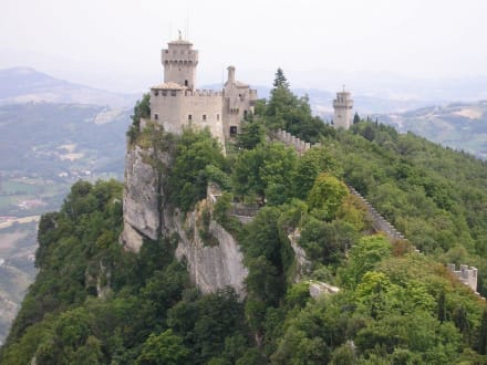 Die Burganlage der Republik San Marino - Monte Titano