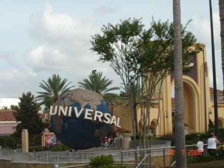 vor den Toren des Parks - Universal Studios Florida