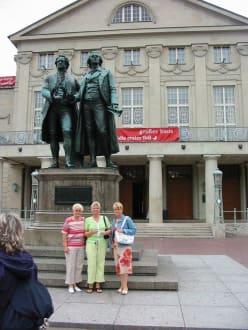 Weimar - Goethe-Schiller-Denkmal