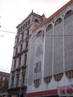 Kaufhaus la época - Altstadt Havanna