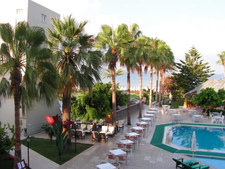 Blick zum Strand - Hotel Nerton