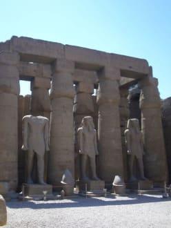 Statuen Ramses des 2ten - Luxor Tempel