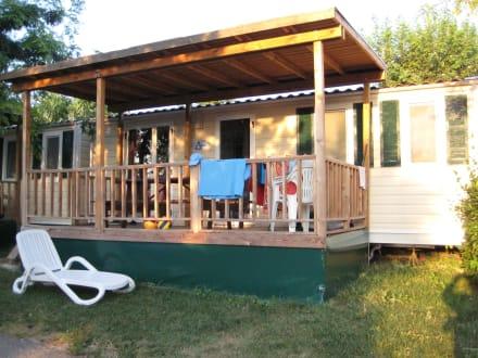 mobilheim lux bild camping bungalows le palme in. Black Bedroom Furniture Sets. Home Design Ideas