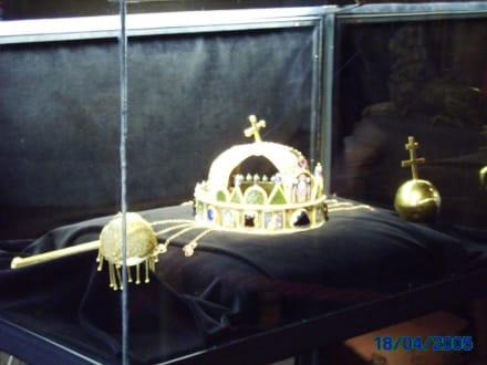 Krone der ungarischen Könige - Ungarisches Nationalmuseum