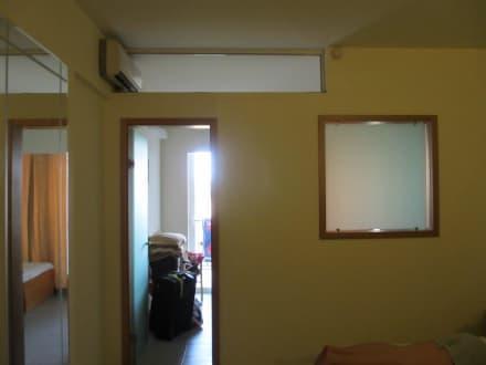trennwand zwischen schlafzimmer und kinderzimmer bild. Black Bedroom Furniture Sets. Home Design Ideas