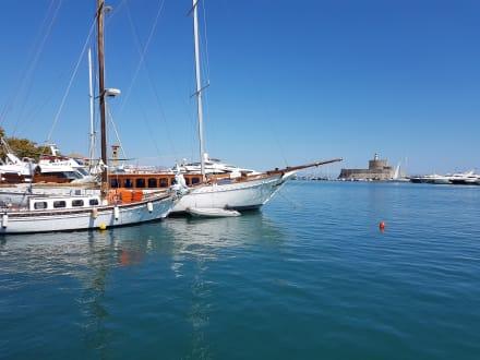 Rhodos Stadt Hafen  - Yachthafen Mandraki