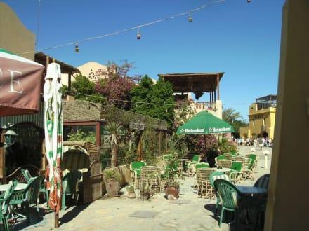 Blick auf dem Biergarten - Ausflug nach El Gouna