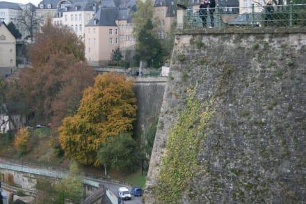 Blick vom Bockfelsen auf die Oberstadt - Bock-Kasematten
