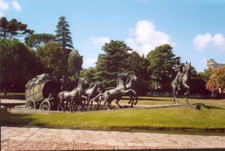 "Denkmal ""La Diligencia"" - Park Prado"