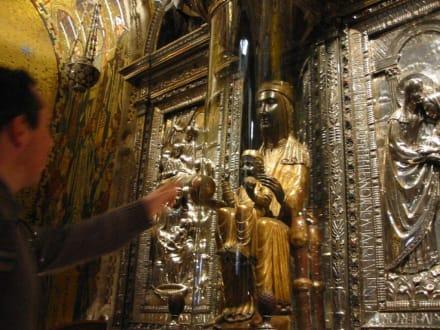 Die schwarze Madonna - Kloster von Montserrat