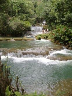 Die YS-Wasserfälle - YS Falls / Y.S. Wasserfälle