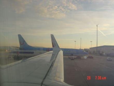 Flugzeug - Flughafen Palma de Mallorca/Son Sant Joan (PMI)