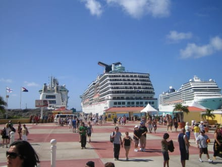 In St.Maarten - Carnival Miracle