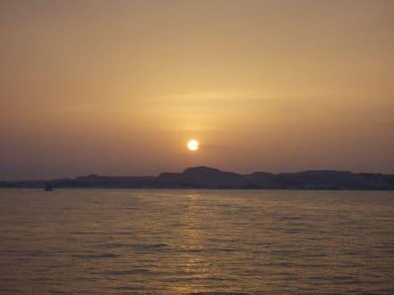 Sonnenuntergang bei der Insel Mahmya - Schnorcheln Hurghada