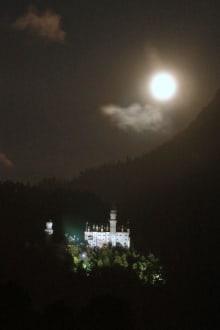 Schloß Neuschwanstein im Mondschein - Schloss Neuschwanstein