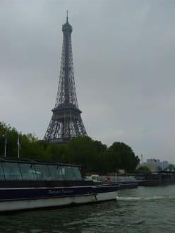 Start am Eifelturm - Bootstour Seine Paris