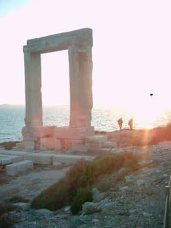 Portara bei Sonnenuntergang - Tempel des Apollonas - Portara Naxos