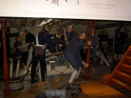 Szene aus dem Leben an Bord eines Segelschiffes - Marinemuseum
