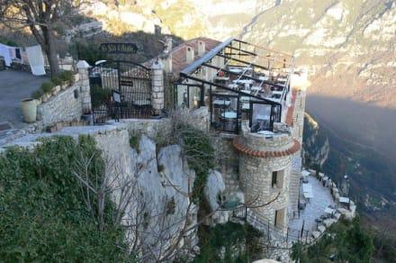 Restaurante mit tollem Ausblick - Burg Gourdon