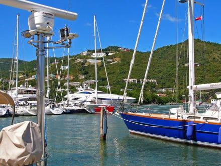 Yacht-Hafen - Hafen Road Town