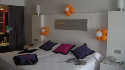 Geburtstagsdekoration bild hotel riu palace bavaro in for Geburtstagsdekoration