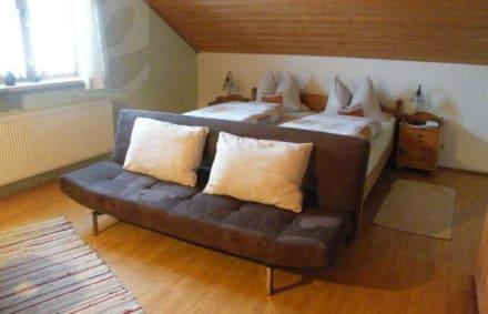 modern eingerichtete und ger umige wohnungen bild franzlbauernhof in windorf bayern deutschland. Black Bedroom Furniture Sets. Home Design Ideas