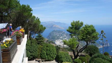 Blick hinunter auf Capri - Monte Solaro