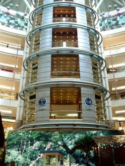 Suri KLCC - Shopping Center Suria KLCC