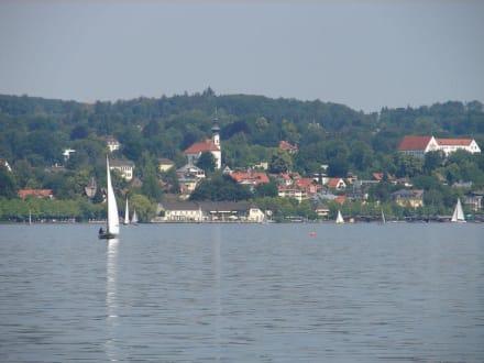 Blick von Berg auf Starnberg - Starnberger See