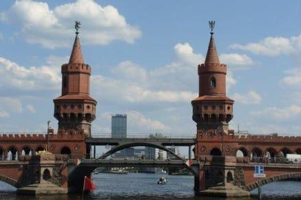 Brückenfahrt durch Berlin - Oberbaumbrücke