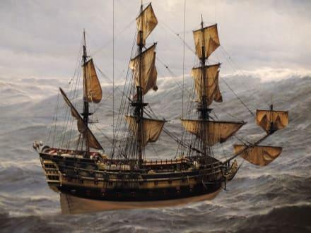 Großes Schiffsmodell - Internationales Maritimes Museum