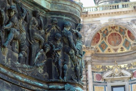 Nahaufnahme - König Johann Denkmal