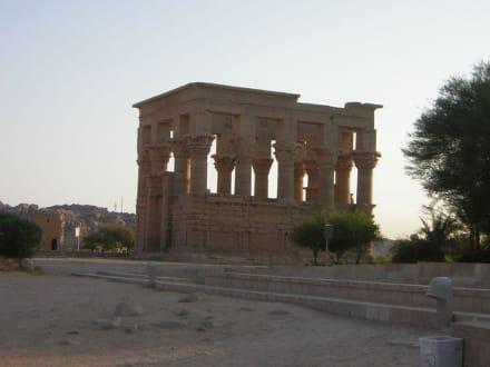 Hadrian Kiosk - Philae Tempel