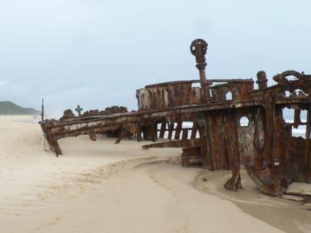 Wrack der Maheno am Strand von Fraser Island - Fraser Island