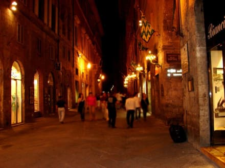 oder abendlicher Rundgang Il Campo - Piazza del Campo