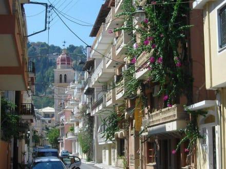 In der Strasse zur kath. Kirche - Altstadt Zakynthos