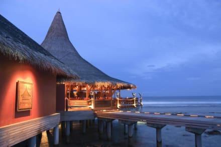 Restaurant & Buffet - Anantara Veli Resort & Spa