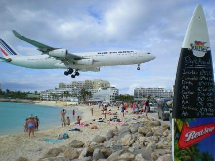 Landeanflug - Maho Beach