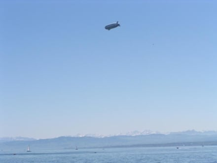 Deutschland, Zeppelin über dem Bodensee - Zeppelin Rundflug