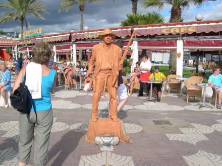 Lebende Statue - Shoppingcenter Anexo II
