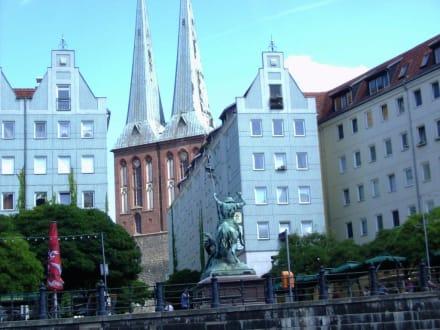 Nicolai-Kirche im Nicolaiviertel von Berlin - Nikolaikirche