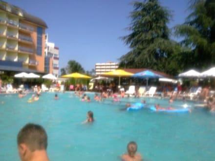 Bazén -
