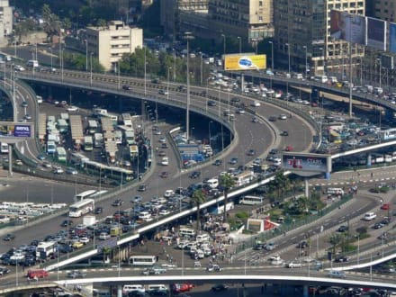Nähe Ramsis Hilton. Kreuzung - Cairo Tower