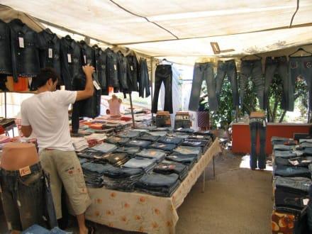 Jeans in Hülle und Fülle - Markt