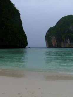 Phi Phi Islands - Maya Bay - Maya Bay / The Beach