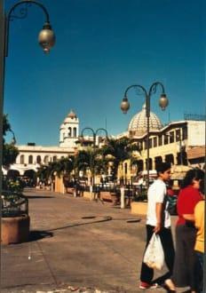 Teilansicht auf die Plaza Civica - Plaza Civica